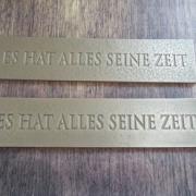 Bronzetafeln mit Aufschrift